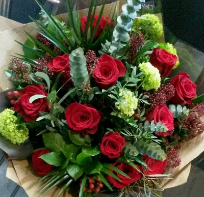 Luxury 12 Red Roses and Green Flower Mix
